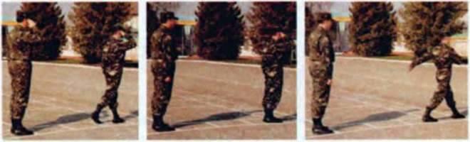 Виконання військового вітання. Вихід зі строю та підхід до начальника